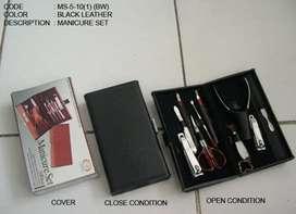 Manicure Set 10 Fungsi Bahan Stainless Anti karat. Barang Impor