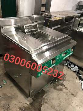 Deep fryer duel basket automatically we have pizza oven,hot plate,tabl