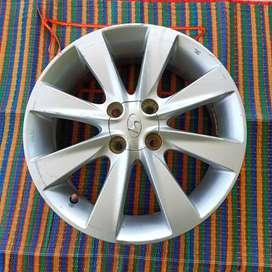 Alloy wheel single piece show room original(manipur rate 7000-7500)