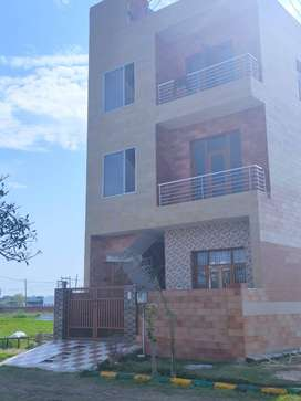 Kothi-3bhk in 125sqyd on 200ft near Rayat & Bahar Collage