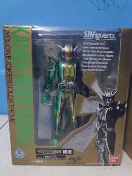 SHF Kamen Rider Double Cyclone Joker Gold Extreme New Bandai