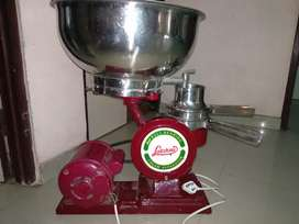Milk cream extracter machine