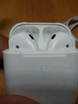iPhone Air Pods bluetooth hands free