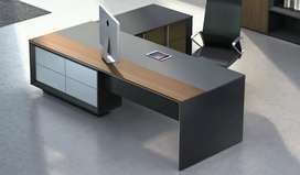 Executive director table high class finsh and compatible price