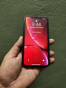 iPhone XR 64gb with charger