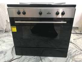 Cooking range with 5 burner on top Indus company