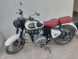 Bullet , classic Royal Enfield 350 cc