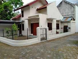 SANGAT MURAH...rumah dalam perumahan di jalan Kaliurang km 7 YOGYA