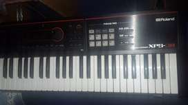 roland xps-30 musical keyboard