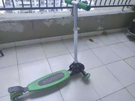 3 wheel Skating Scooter  for Kids of 4 years to 12 years - 500  INR