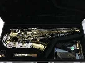 Sepaket Saxophone Yamaha Alto YAS-23