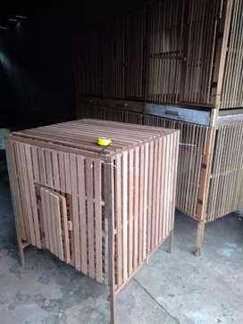 Kandang kayu bongkar pasang