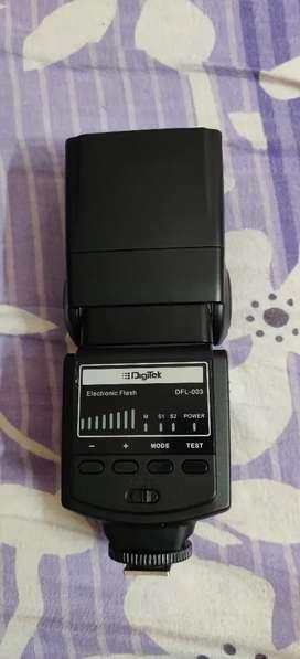 Digitek Electronic Camera Flash