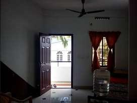 Single room 1st flr nr Kadavanthra jn; for 01 Male Bachelor.