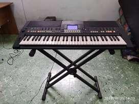 Jual murah Yamaha PSR-S550 beserta Stand Keyboard