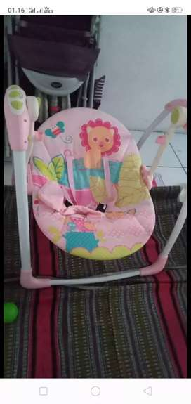 Baby swing (ayunan otomatis)