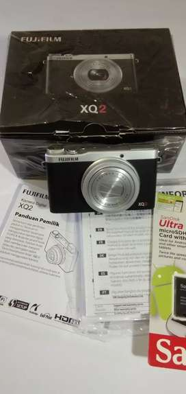 Mirrorles Fujifilm XQ2 Like New
