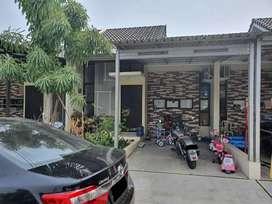 Rumah siap huni di harapan indah De residence Bekasi