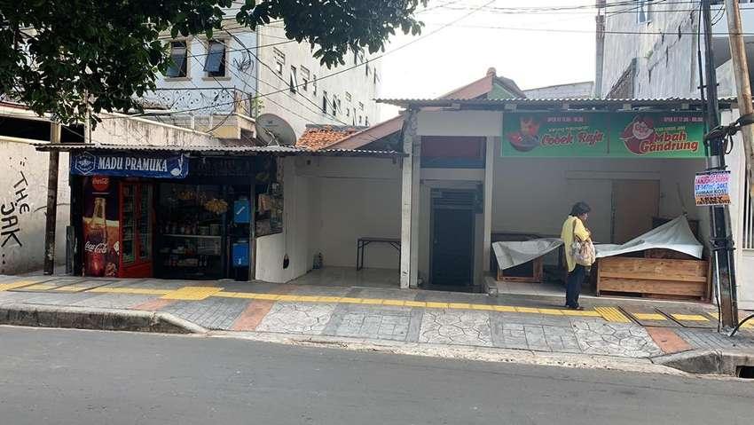 Rumah Tua, Lokasi Jalan Utama Sangat Strategis 0