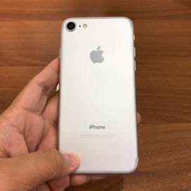 iPhone 7 32 GB Silver Ex Inter Fullset Mulus Bergaransi 32GB