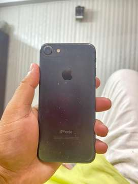I Phone 7 128gb, 13500rs mint condition . Finger id not Working