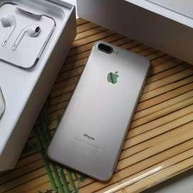 Iphone 7 plus iphone 7 plus 32gb    .