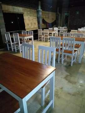 Meja kursi rumah makan