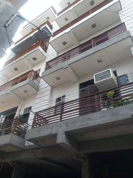 2BDR with 2 T ready to move rajendra park gurgaon