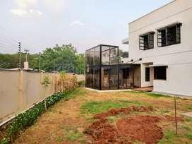 Posh villa for sale