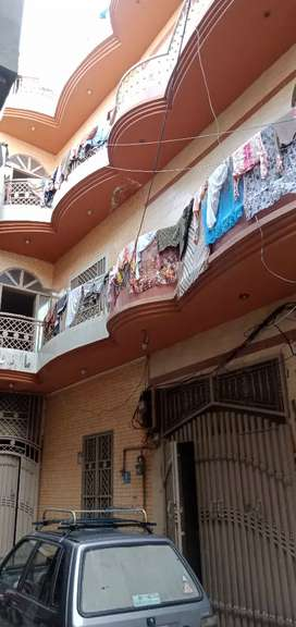 3 manzila building sell monthly rent income 40000