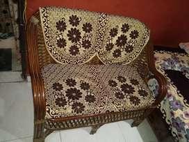 Sofa good condition fix price Lena ho to hi message karna