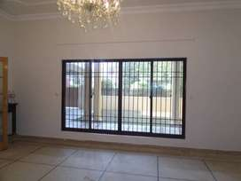 F-10/3,Close To Markaz Beautiful Large Ground Portion 3 bed d d lounge