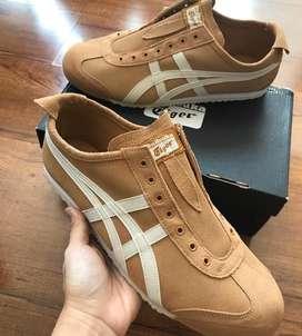 Sepatu onitsuka size 44.5