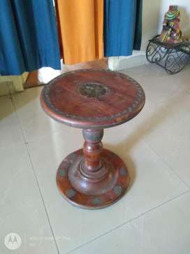 Solid wood round corner table