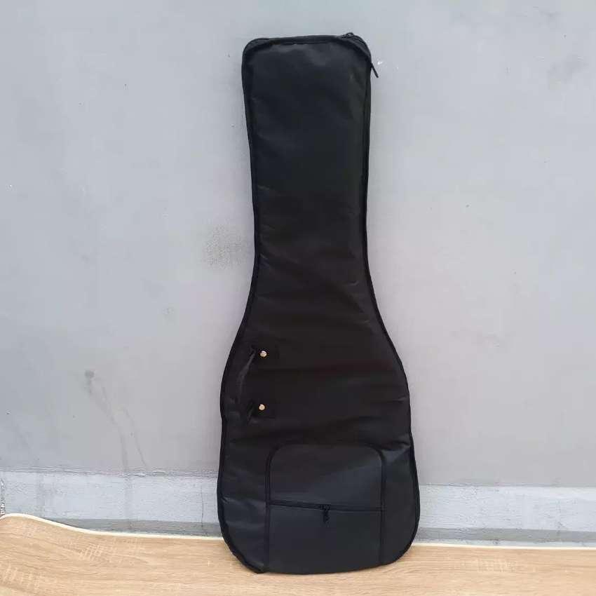 Tas gitar murah udah ada busanya