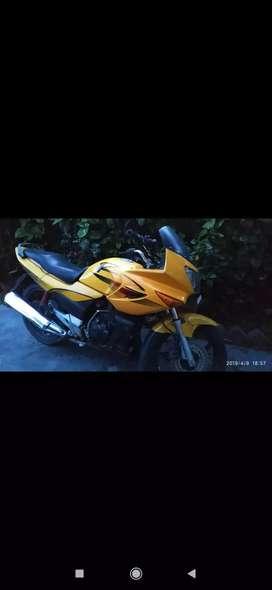 Second hand motorcycle vah Maine sale karni hai