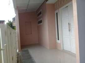 Dijual rumah 2 lantai,dekat IKIP PGRI, kota,dekat masjid,dekat kuliner