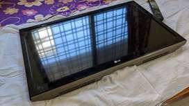 LG 81 cm (32 inch) Full HD LED TV (Black, 32LS4600)