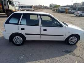 Suzuki, Cultus , 2013 , 6 years used, white in color and no scratch.