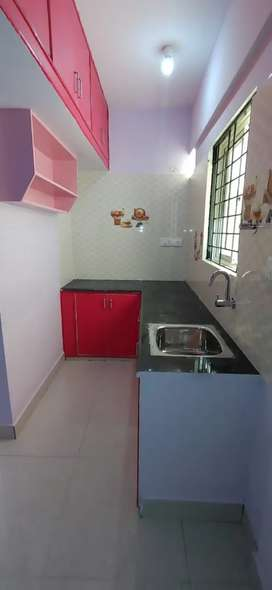 1 bhk house is available for couples