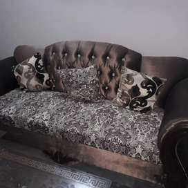 5 Seater Sofa Set in almost new condition