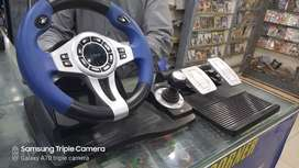 logic 3 steering wheel perfect condition for pc and ps3