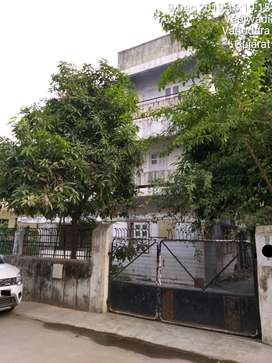 3300 Sq Ft Plot With Old Bunglow For Sell At Alkapuri Prime Location