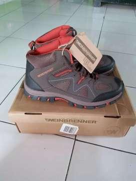 Sepatu weinbrenner baru