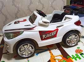 Mobil mobilan anak pakai aki + remotnya