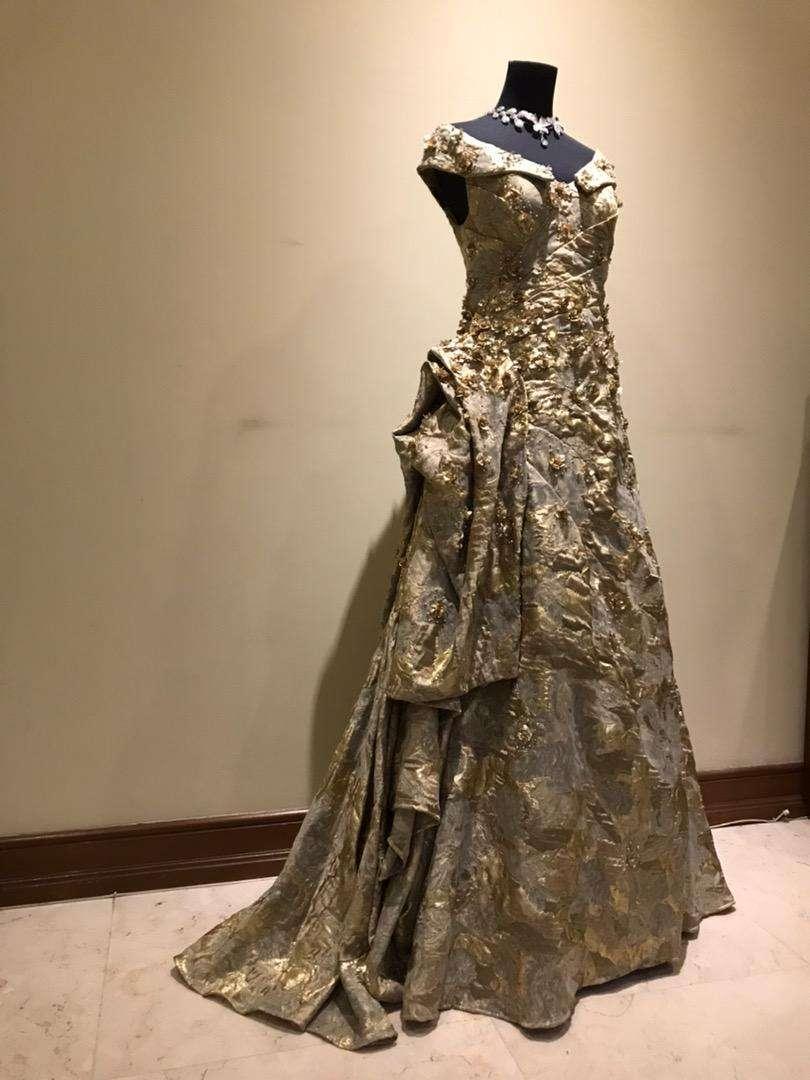 Designer dress by Cynthia Tan 0