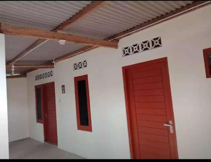 Rumah kontrakan / kos 4 kamar khusus muslim Belakang Al azhar 0