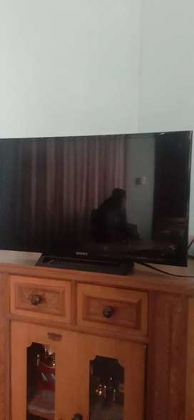 TO SELL SONY BRAVIA LED TV
