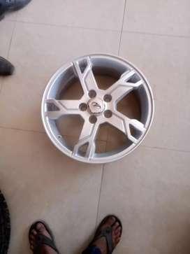 Mahindra original fresh alloy wheels used in scorpio