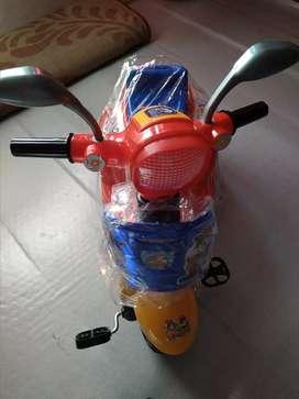 Mainan anak sepeda roda tiga Vespa dorong musik